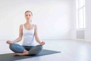 THE-BENEFITS-OF-YOGA-FOR-BEGINNERS